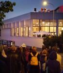 Kaupunginteatterin Beatles-bändi keskiyön keikalla kaupunginteatterin katolla vuonna 2002. Kuva: Matti Salmi/Keskisuomalainen